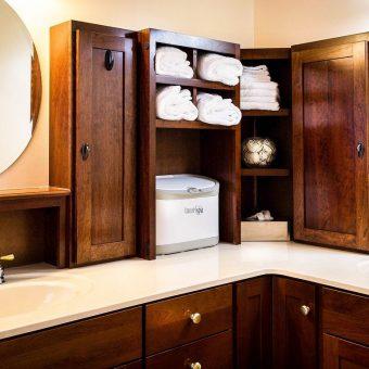 Jak i gdzie zamontować szafki w łazience?